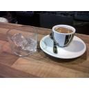 café solo con hielo